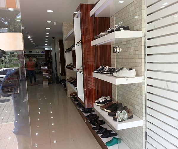 ayakkabı mağaza raf dekorasyon