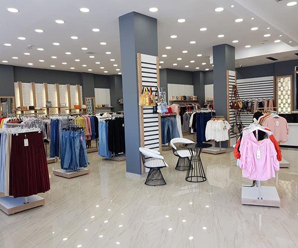 giyim mağaza rafları tekstil mağazası
