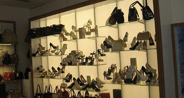 klasik ayakkabı mağaza dekorasyonu