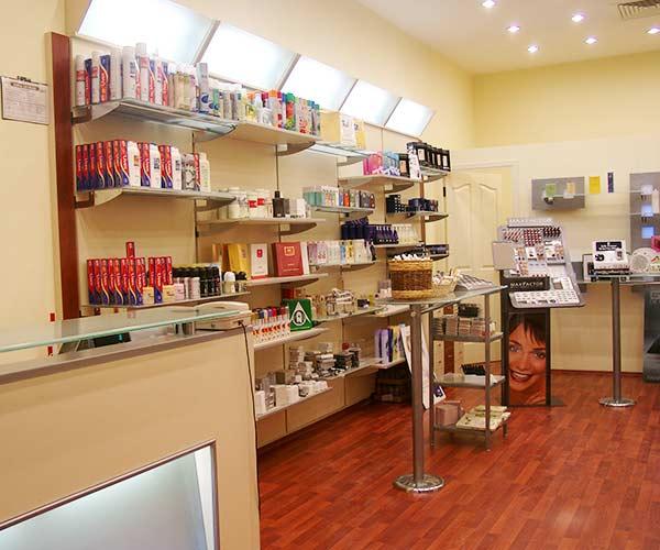 kozmetik mağaza rafları, kozmetik mağaza dekorasyonu izmir