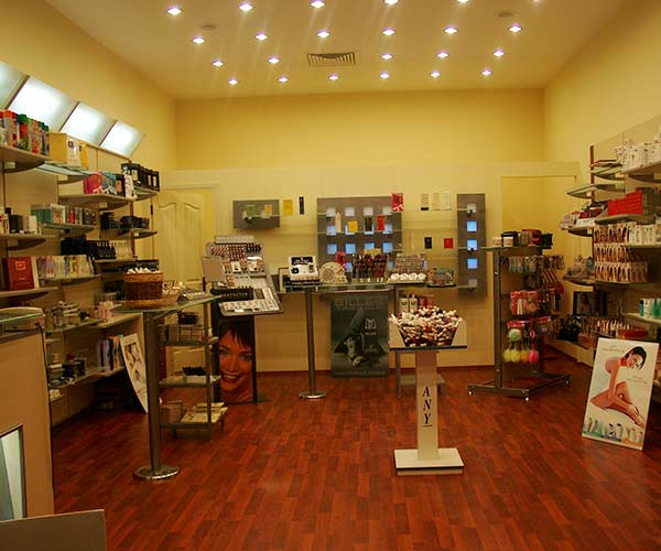 kozmetik parfümeri mağazası